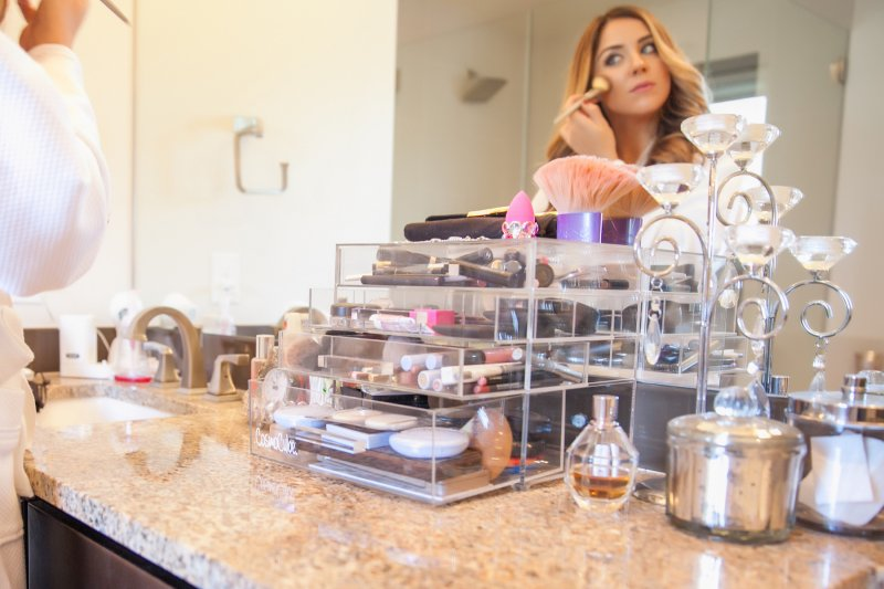 Cosmo Cube Makeup Organizer