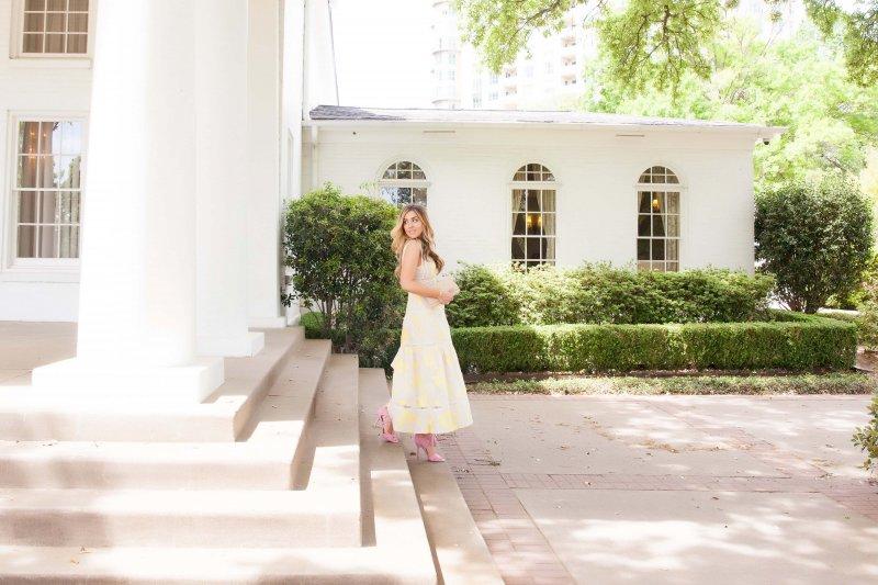 Classic Feminine Fashion Blogger The Cashmere Gypsy Summer 2016 Style