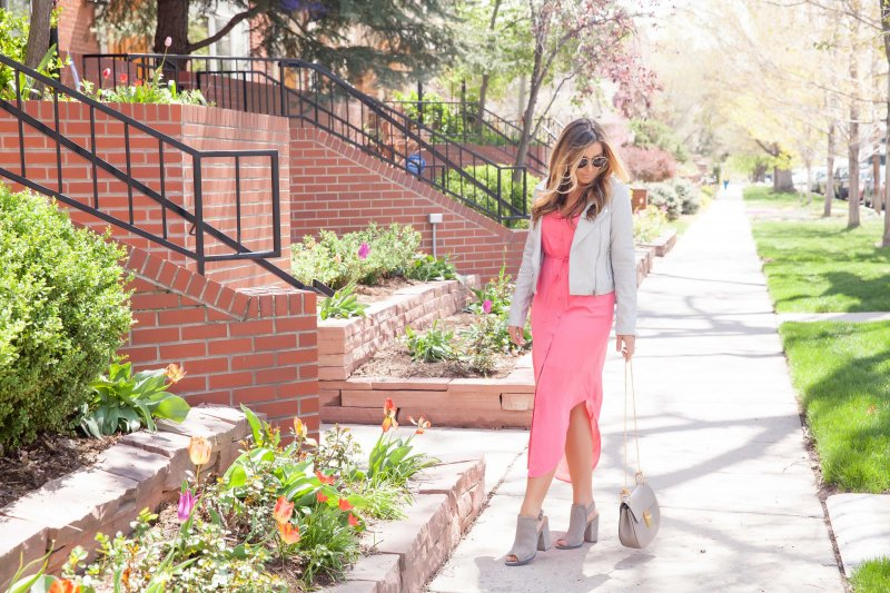How to Wear Bright Colors in a City