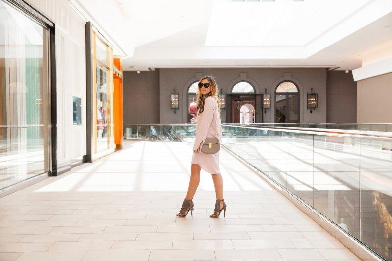 blush-pink-outfit-fashion-blogger