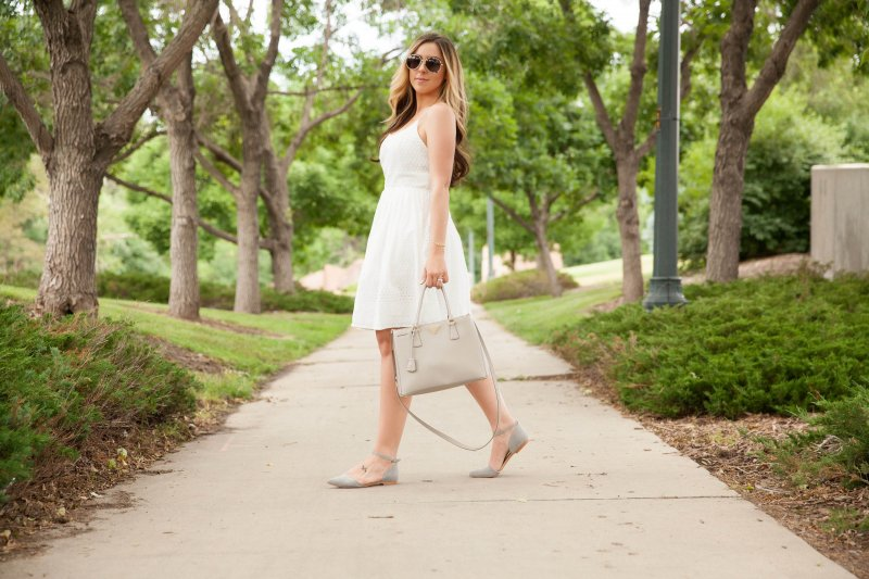 white-eyelet-dress-grey-prada-tote
