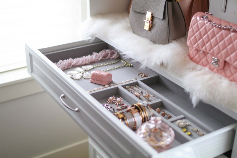 jewelry-drawer-organization-custom-closet