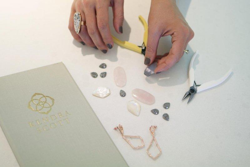 kendra-color-bar-custom-jewelry