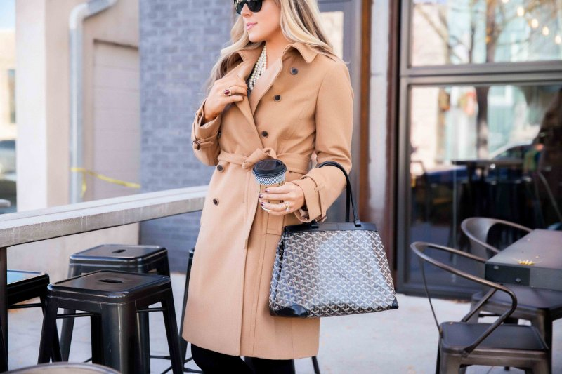 tan-trench-coat-outfit