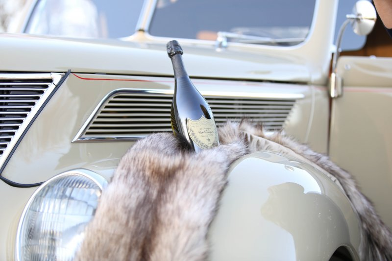 dom-perignon-vintage-car