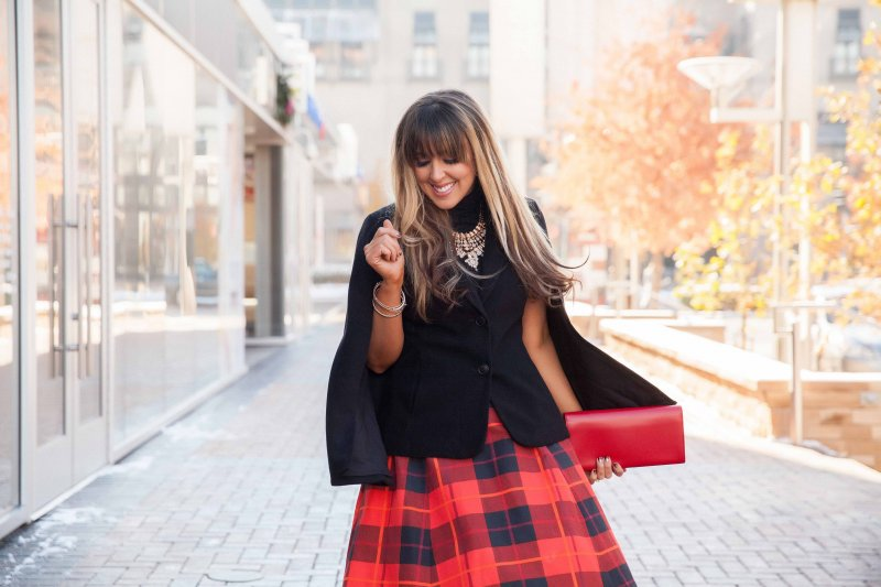 plaid-skirt-holiday-look