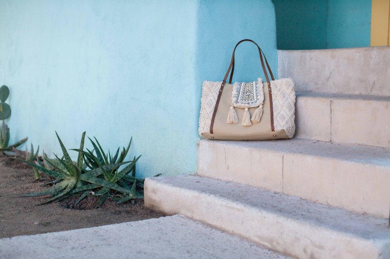 neutral-beach-tote-bag