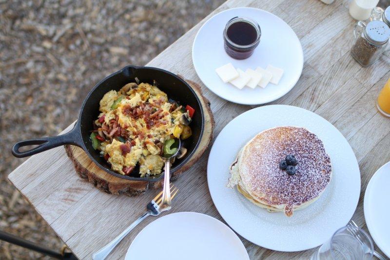 collective retreats breakfast
