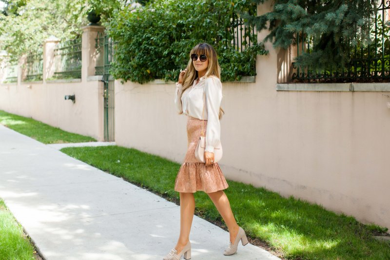 pink rose gold holiday outfit